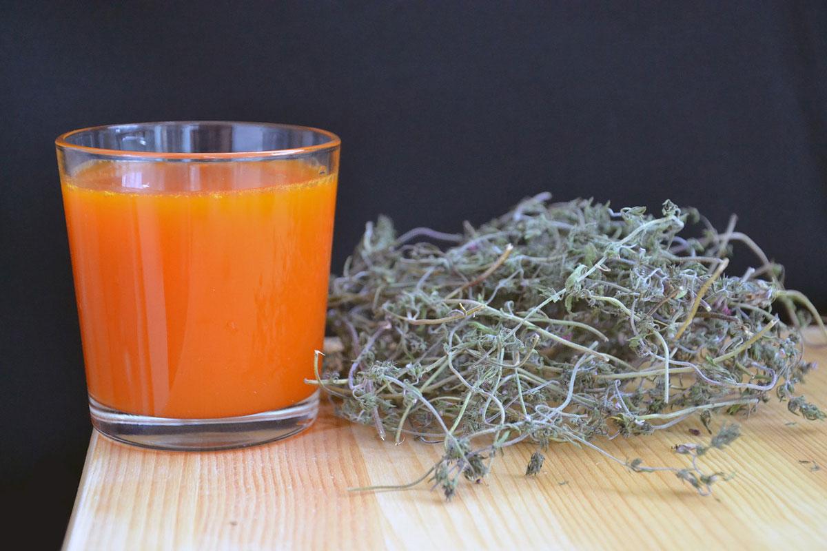 Havtornjuice/havtornsaft er sundt og har en syrlig smag